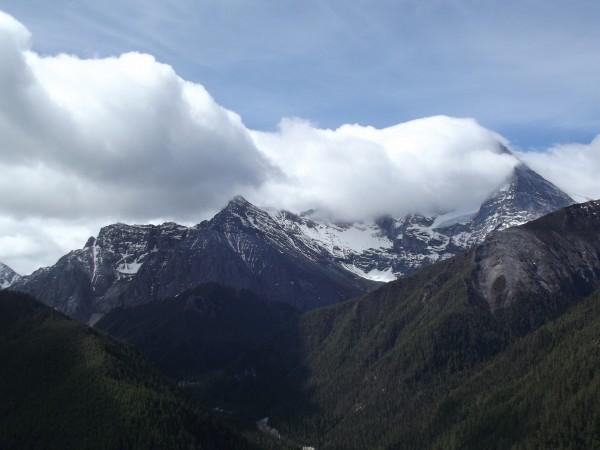 mountain-1311543_1920