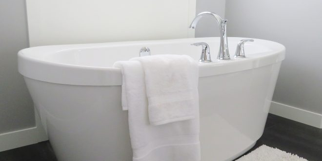 お風呂の中に塩を入れることの3つの効果と2つの注意点